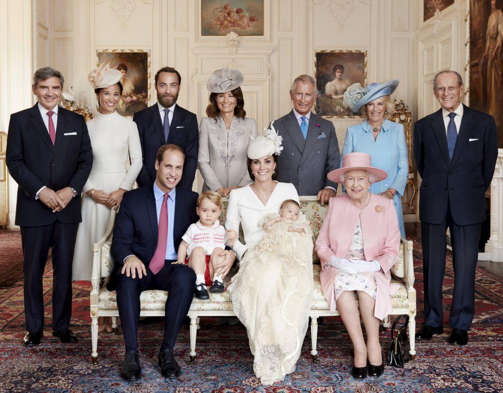 Великобритания, 9 июля. Групповая фотография королевской семьи.