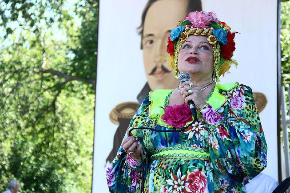 Исполнительница народных песен Людмила Рюмина