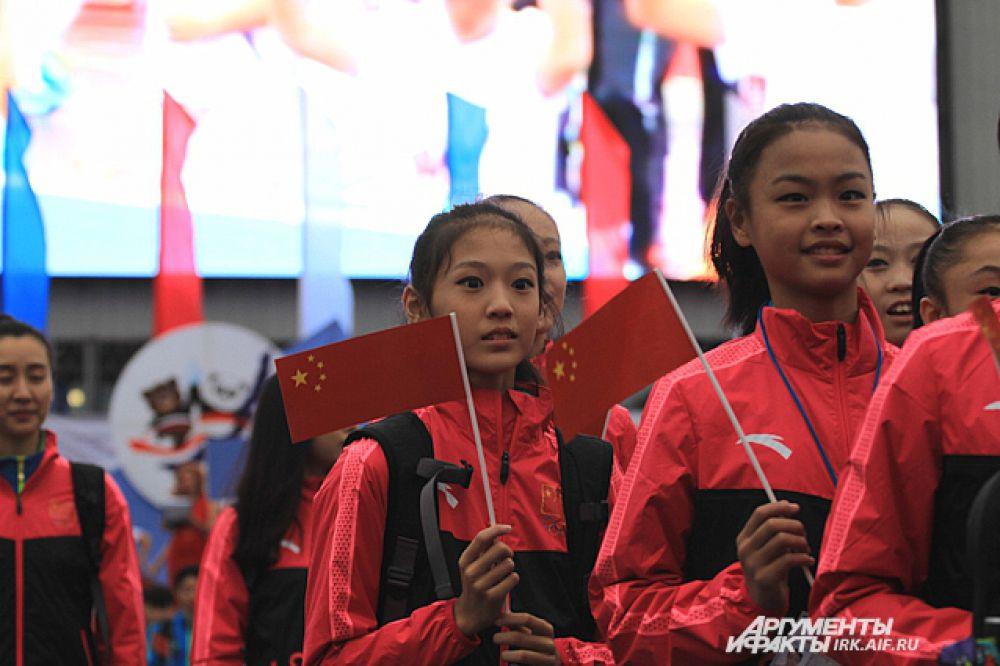 Юные гимнастки Китая.