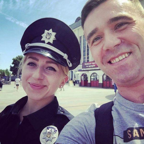 Самые красивые девушки-полицейские в Киеве