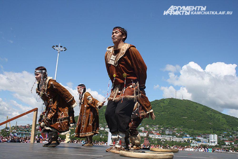 Для гостей праздника выступили лучшие коллективы края.