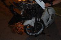 Мотоцикл столкнулся с иномаркой на повороте.