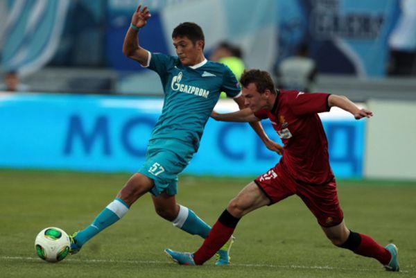Джамалдин Ходжаниязов – воспитанник футбольной Академии имени Юрия Коноплёва из Тольятти. Выступал четыре года за тольятинскую «Академию». Зимой 2012 года перешёл в санкт-петербургский «Зенит», подписав контракт на 3 года.