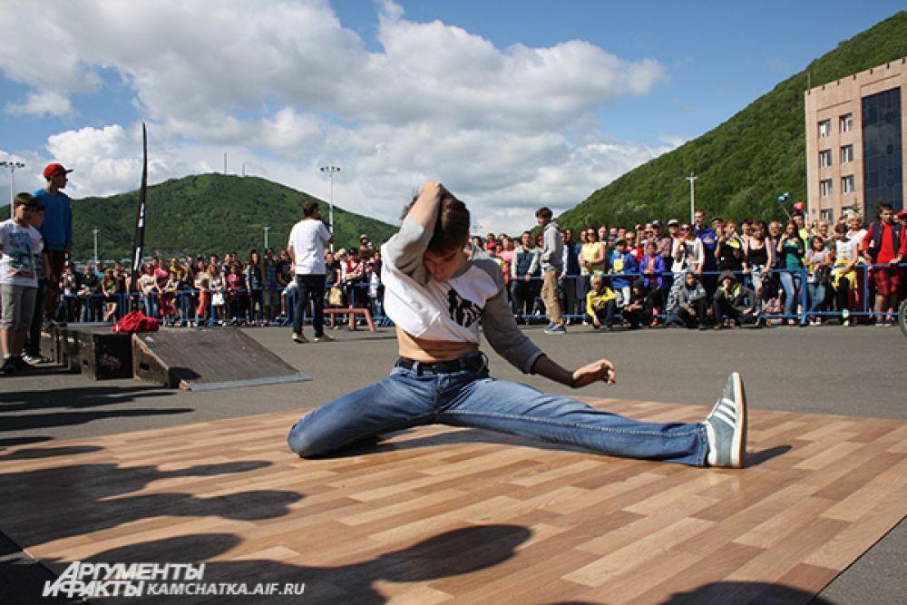 Выступление ребят пришлось публике по душе. Танцевать выходили на бис!