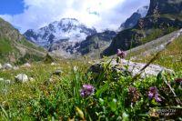 В Приэльбрусье верят, что на вершине «мать-горы» живут ангелы, исполняющие желания.
