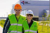 Работа, которую Юлия и Максим Васильевы получили на комбинате, даёт надежду, что всё у них будет хорошо.