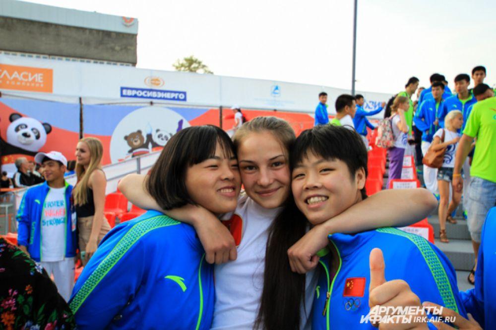 За время соревнований спортсмены успели подружиться.