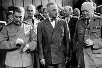 Участники Потсдамской конференции: Иосиф Сталин, Гарри Трумэн, Уинстон Черчилль.