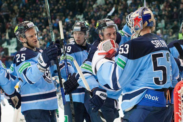 Новые хоккеисты «Сибири» получили игровые номера