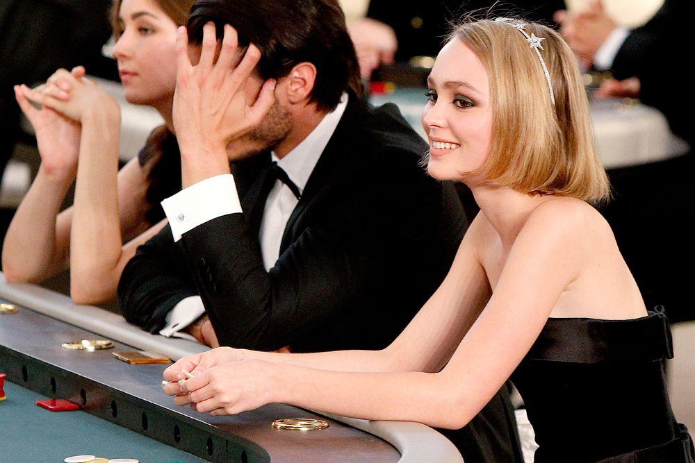 Дочь Джонни Деппа и французской актрисы Ванессы Паради – Лили-Роуз Депп.