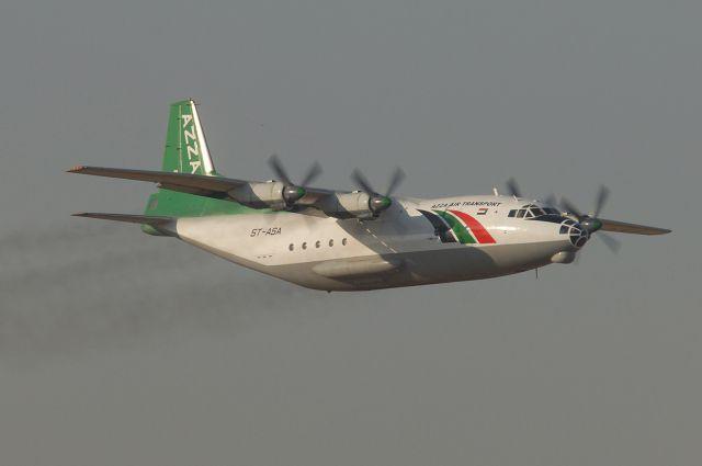 Самолет Ан-12.