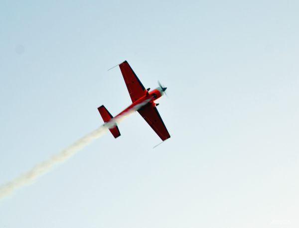 Авиашоу в небе над фестивалям проходит с 2013 года