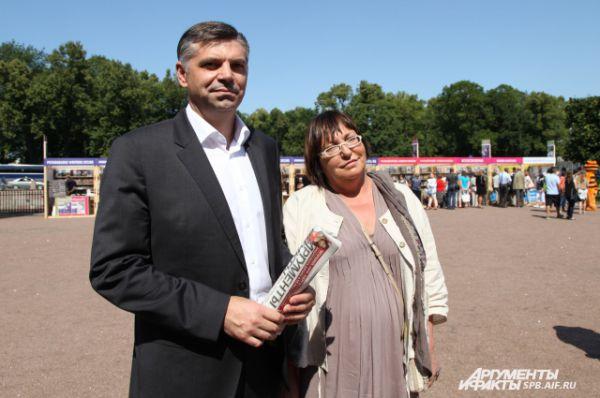 Председатель городского комитета по печати Сергей Серезлеев всегда в курсе новостей питерской прессы.