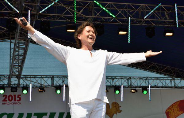 Звезда эстрады и рок-опер 1980-х Альберт Асадуллин