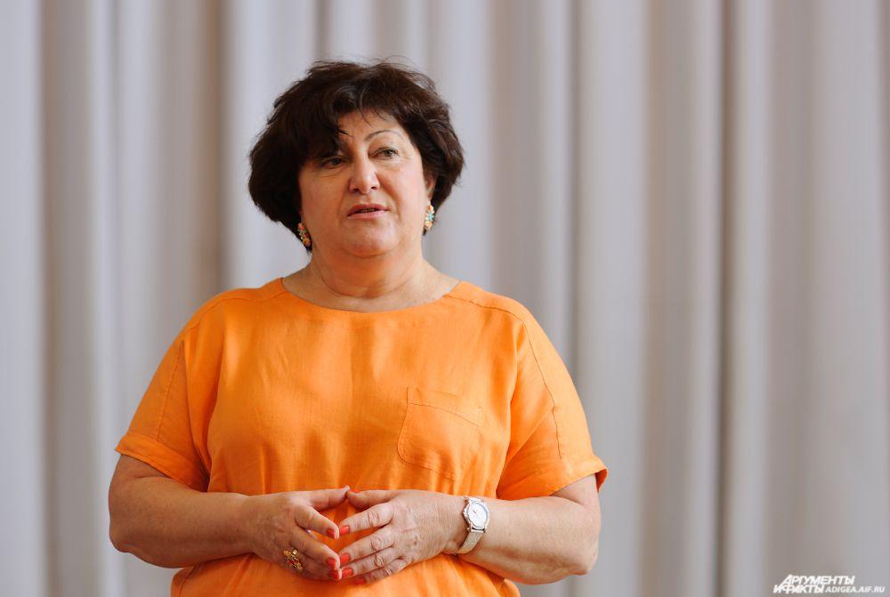 Один из организаторов конкурса Тепсаева Зарема Меджидовна.