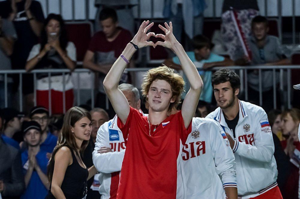 Андрей благодарит зрителей за поддержку.