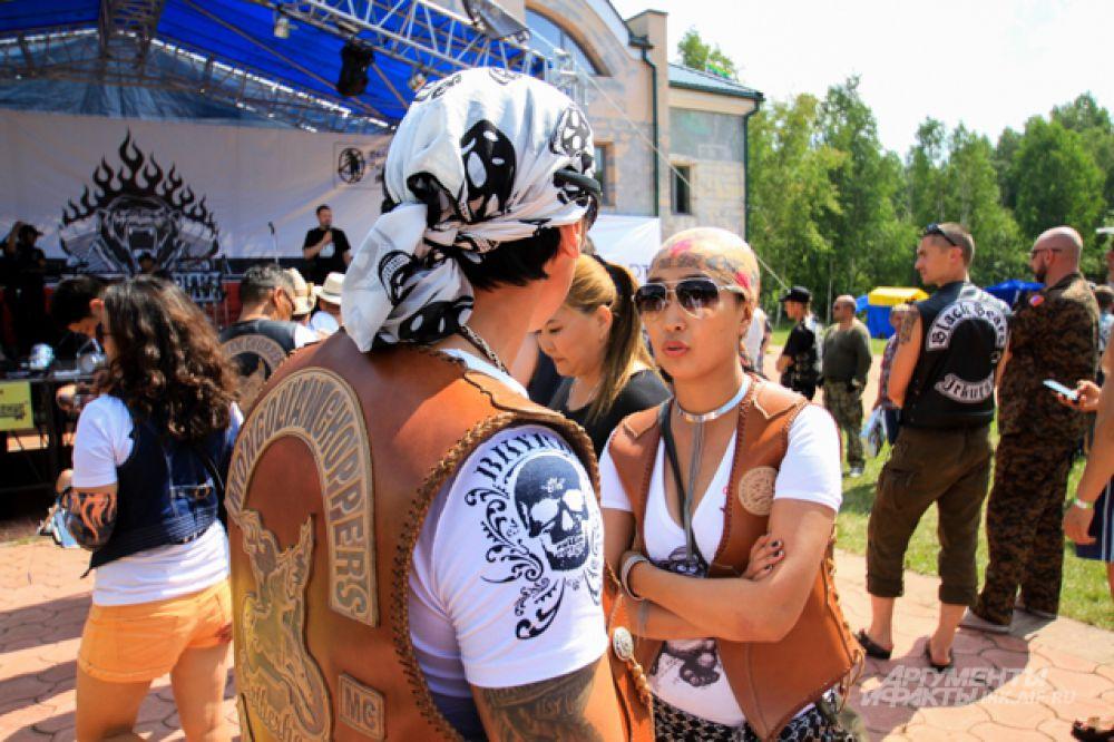 Почетными гостями фестиваля стали байкеры из Монголии.