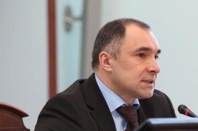 Эрнест Каримов.