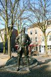 В Бельгии есть монумент, посвящённый Петру I, который установили в Антверпене  в 1998 году. Интересно, что в этом городе существует закон, запрещающий ставить памятники политическим деятелям. Исключение было сделано только для российского императора.