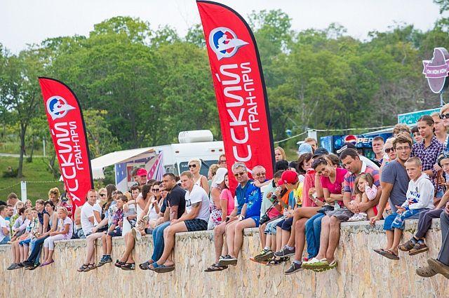 Гостям прошлогоднего «Лета на Русском» понравились водные соревнования.