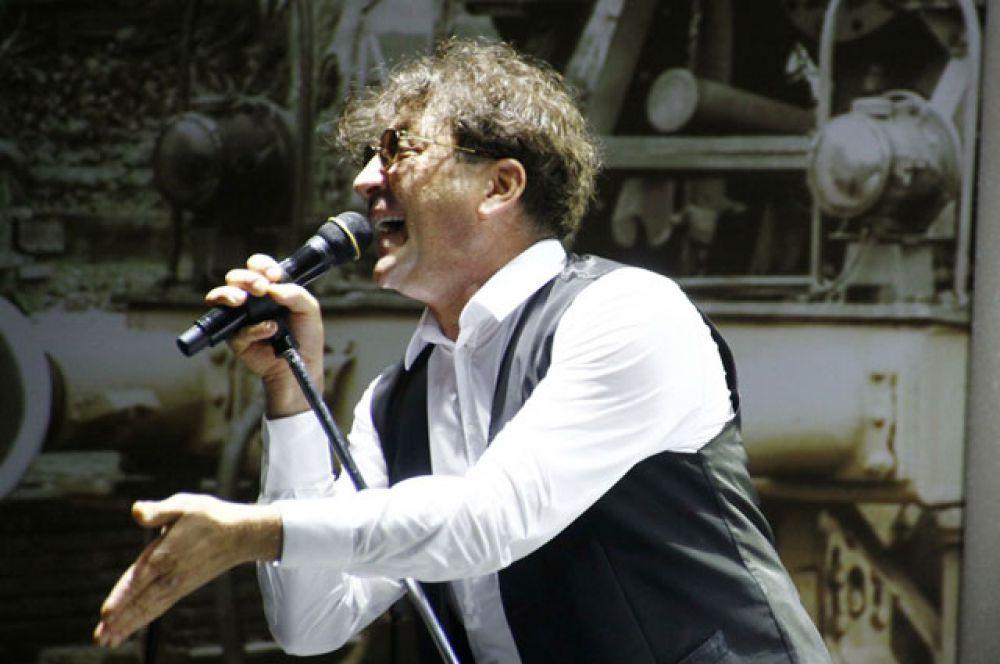 На третьем месте рейтинга певец Григорий Лепс с доходом 12,2 млн долларов.