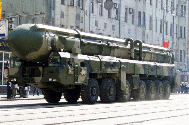 Семиосный ракетный комплекс «Тополь».