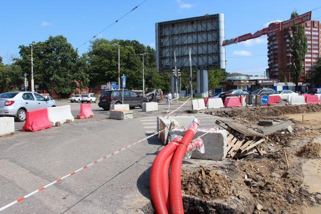 На этом участке выполнено уже более 60 % строительно-монтажных работ.
