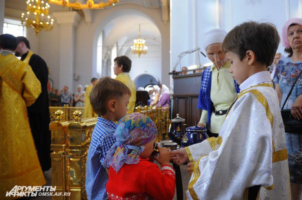 Крестный ход в честь Дня Крещения Руси в Омске.
