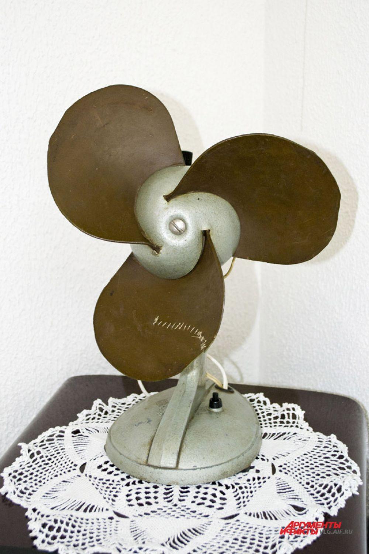 Этот простой и легкий на первый взгляд вентилятор был известен своей неподъемностью.