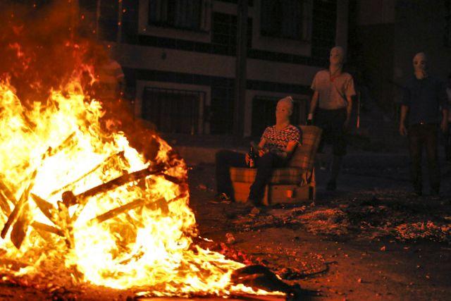 Беспорядки на улицах Стамбула.