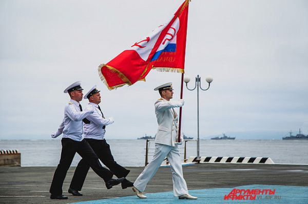 Под флагом Тихоокеанского флота.