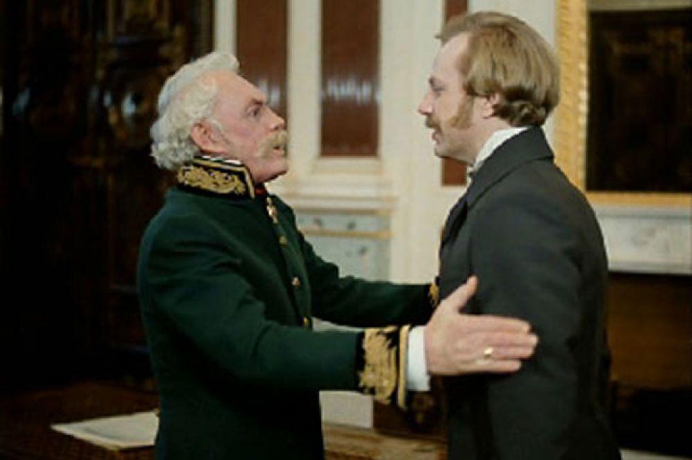 Когда у Павла Петровича спрашивали, какой у него любимый фильм с его участием, он неизменно отвечал: «Лучший фильм — тот, в котором снимаюсь сейчас».
