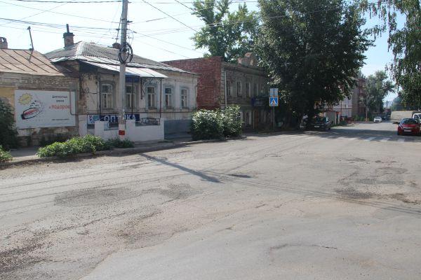 Вид на улицу Федерации с улицы Можайского