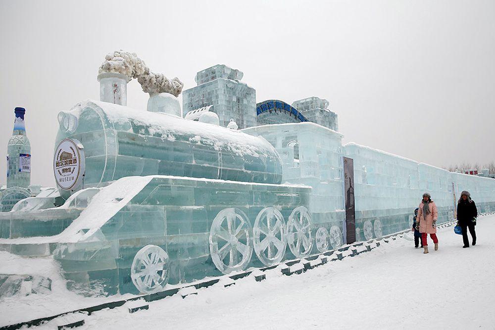 Харбинский международный фестиваль снежных и ледяных скульптур. Китай, 4 января.