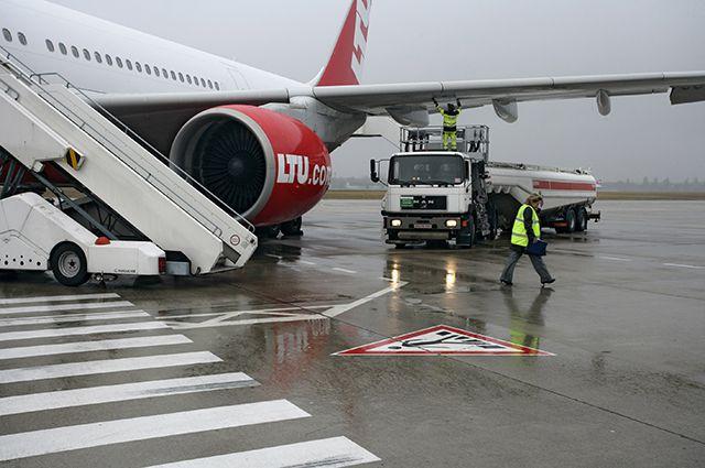 Возможно, какому-то самолёту в результате кражи могло не хватить керосина