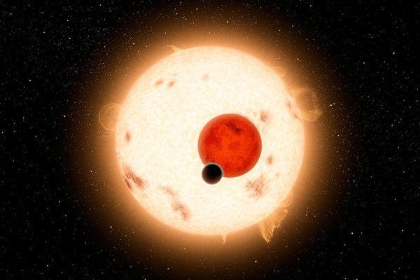 Холодная экзопланета Kepler-16b состоит из камня и газа и, скорее всего, малопригодна для жизни. Планета находится в системе двух карликовых звезд.