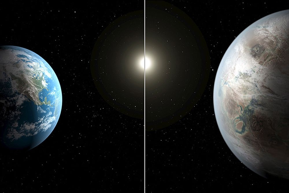 Сравнение размеров Земли и Kepler-452b. Радиус экзопланеты в 1,6 раза больше земного, а вращается она вокруг своей звезды на примерно таком же расстоянии, что и Земля от Солнца. Именно Kepler-452b считается самой похожей на Землю из обнаруженных миссией Kepler экзопланет. Не исключено, что там, на расстоянии 1,4 тысячи световых лет от Земли, была или все еще существует разумная жизнь.
