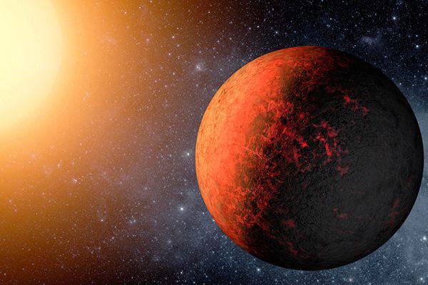 Расположенная в 950 световых годах от Солнца экзопланета Kepler-20e, об открытии которой сообщили 20 декабря 2011 года, стала первой, близкой по размерам к Земле. Она находится настолько близко к своему светилу, что температура на ее поверхности достигает 760 градусов Цельсия.