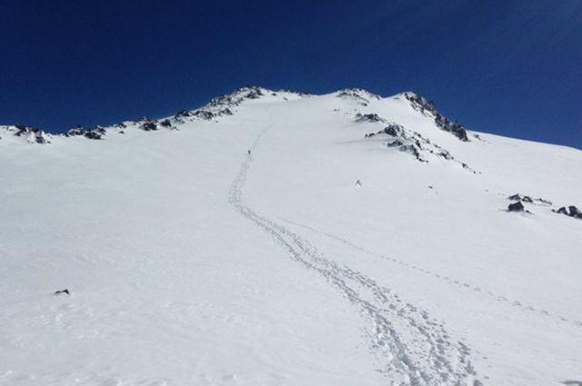 Москвичка и 70-летний мужчина получили травмы при восхождении на гору Эльбрус в Кабардино-Балкарии