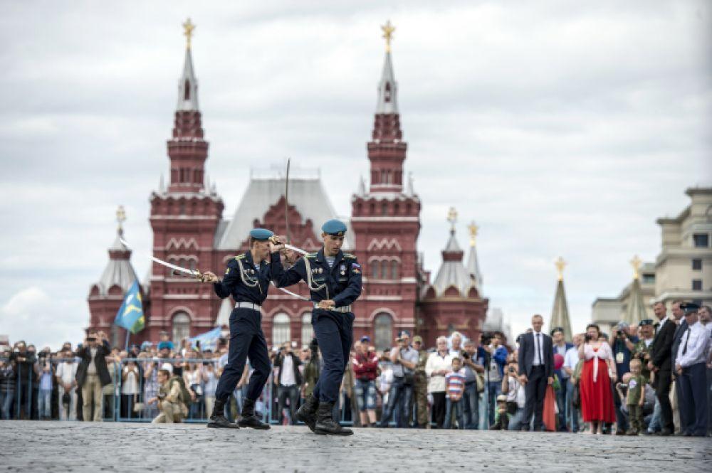 Празднование 85-летия Воздушно-десантных войск на Красной площади.