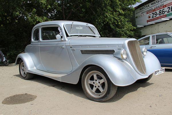 Именно с этого авто начался ретро-гараж Ососковых.