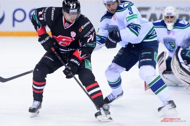В недавнем матче омичи переиграли хоккеистов из Ханты-Мансийска.