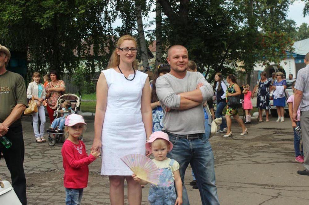 Семья Кабаковых ждет награждения мамы