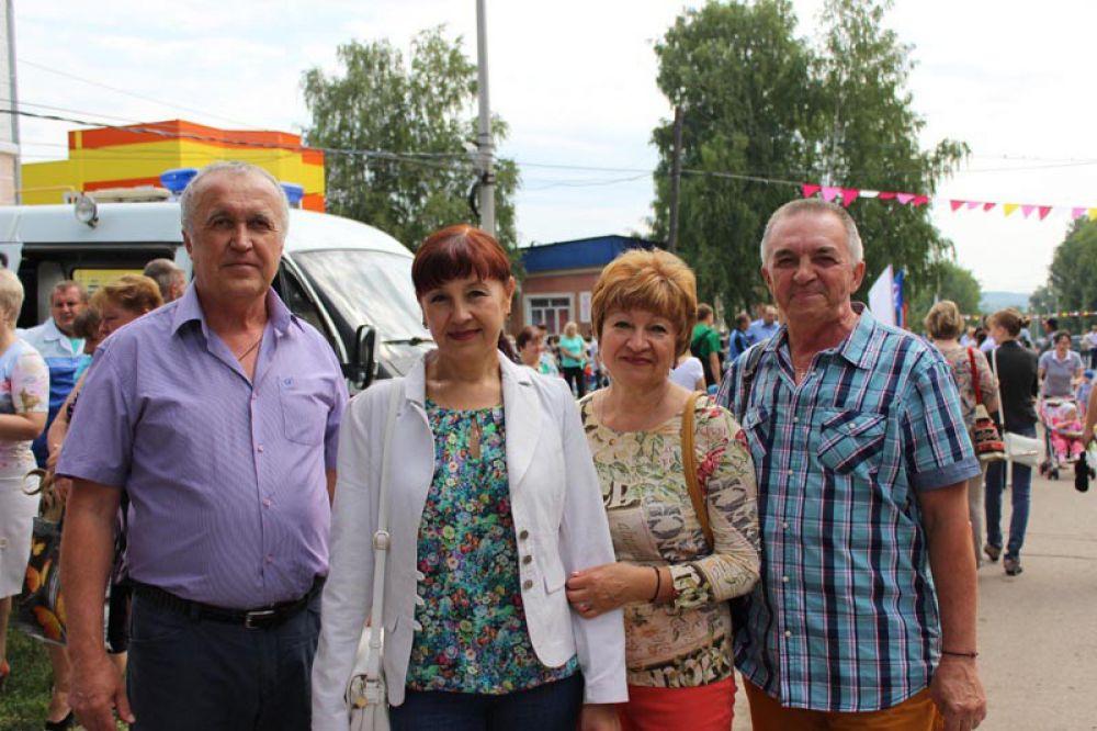 Селивановы и Яблоковы - доктора, переехали в Ульяновск и Самару, но на День Карсуна явились