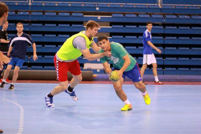 Юношеская сборная России по гандболу тренируется в Екатеринбурге