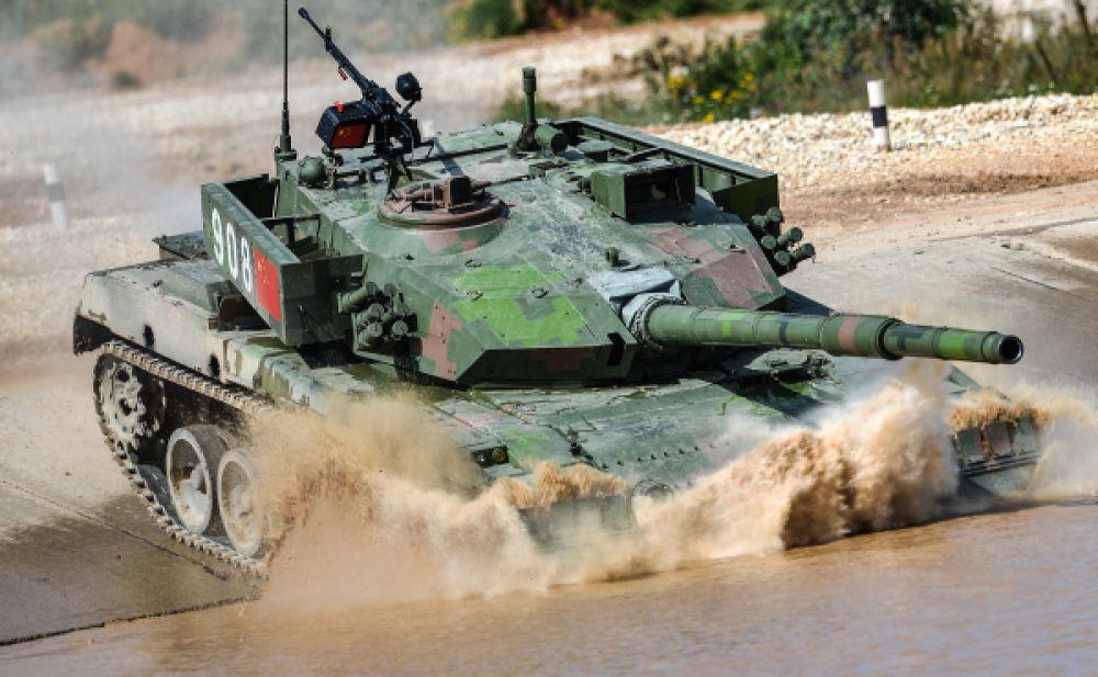 На собственных танках выступят только представители Китая. Как и в прошлом году, они привезли на состязания машины «Тип 96А», хотя российские военные ожидали увидеть более современный «Тип 98».