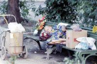 У каждого есть выбор - жить по-человечески или остаться на улице без крыши над головой.