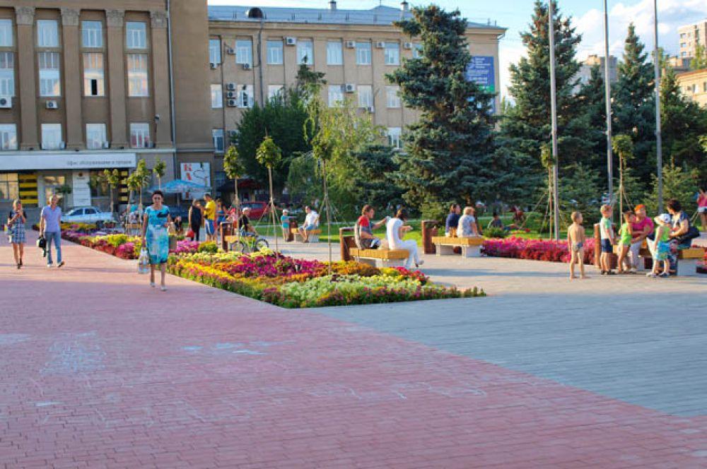 Тротуарная плитка от «Оникса» украшает площадь Советскую.