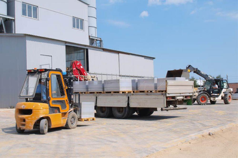 Сегодня производственный комплекс  ООО «Оникс» состоит из двух автоматизированных линий, оснащенных современным высокотехнологичным оборудованием ведущих немецких машиностроителей.