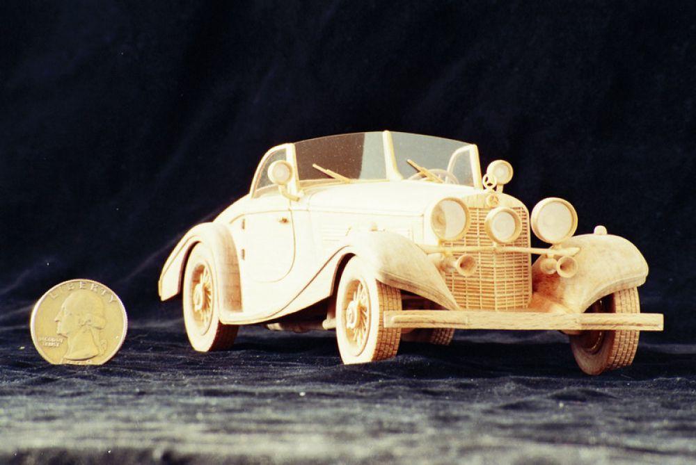 Модель машины Mercedes-Benz 540K Special Roadster 1936 года.